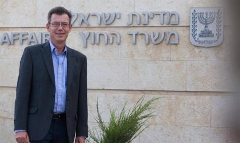МВД Израиля непродлило визу уполномоченному Human Rights Watch Омару Шакиру