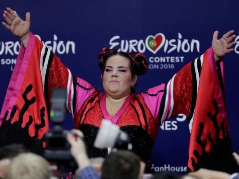 Переводчик социальная сеть Twitter впосте Нетаньяху назвал победительницу «Евровидения» коровой