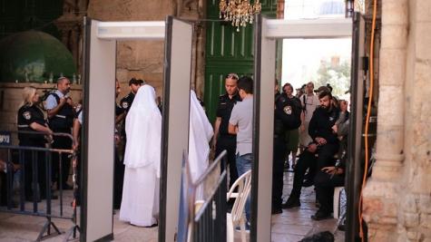 Мусульмане протестуют против мер безопасности наХрамовой горе