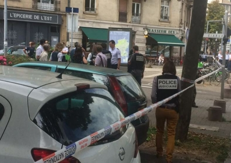 ВСтрасбурге мужчина сножом напал нараввина, крича «Аллах Акбар»