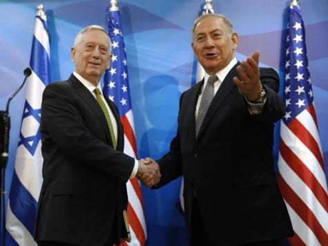 Министр обороны США обвинил Сирию всохранении хим.  оружия