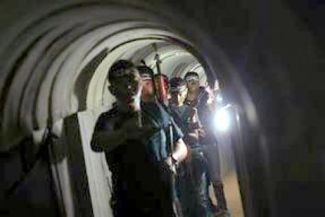 Власти Израиля начали строительство подземного забора вдоль границы ссектором Газа