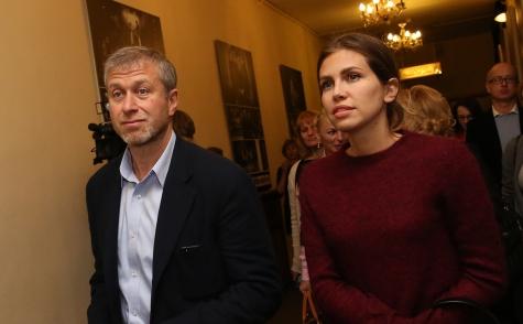 Роман Абрамович иДарья Жукова официально объявили освоем расставании