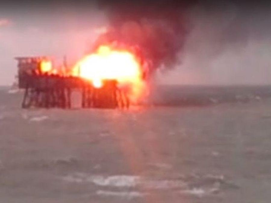 Прокуратура Азербайджана возбудила уголовное дело из-за пожара наморской платформе